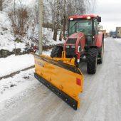 Lumesahk TSP traktorile, rataslaadurile ja autole.